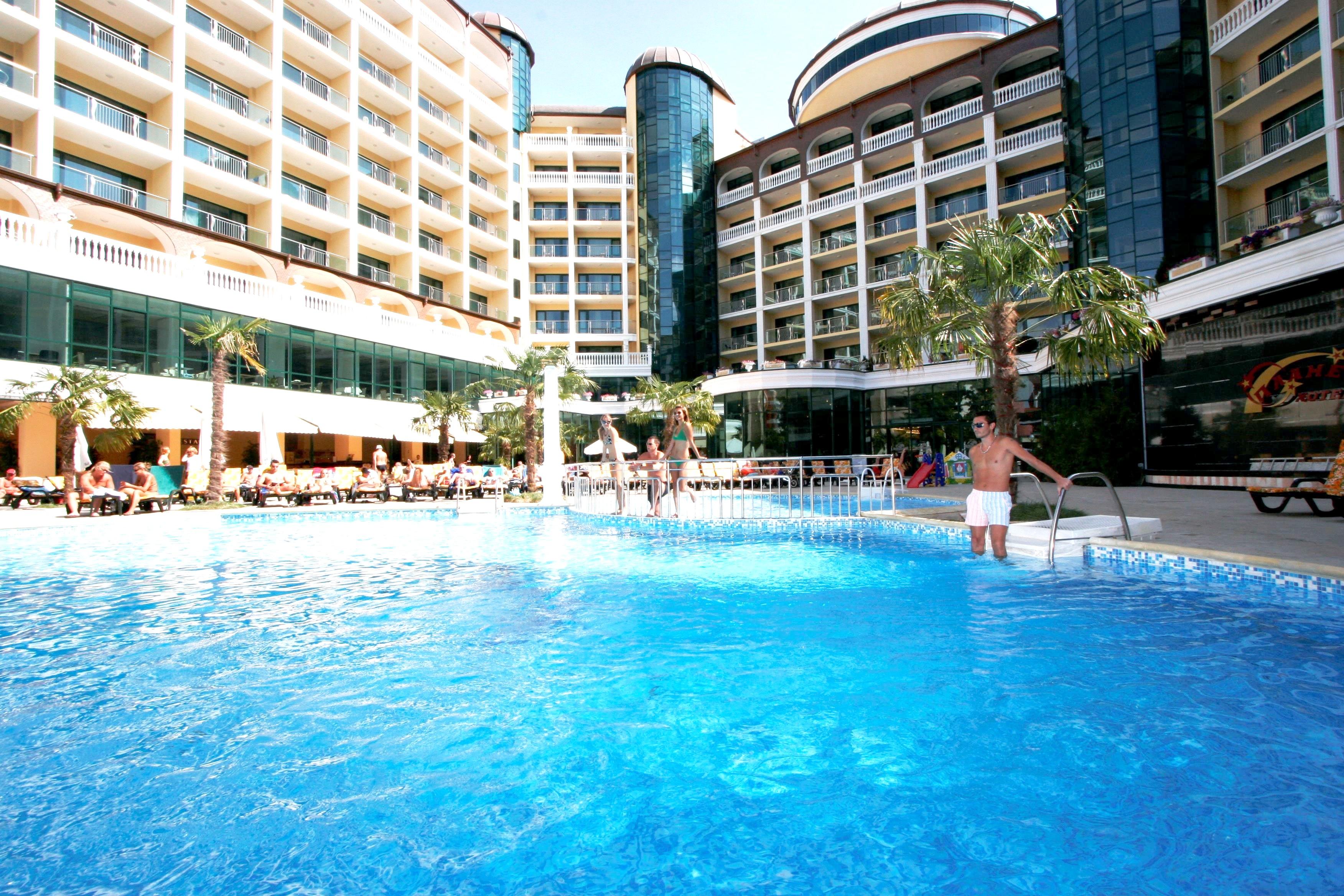 http://data.solvex.sk/Hotel/11/42240.jpeg
