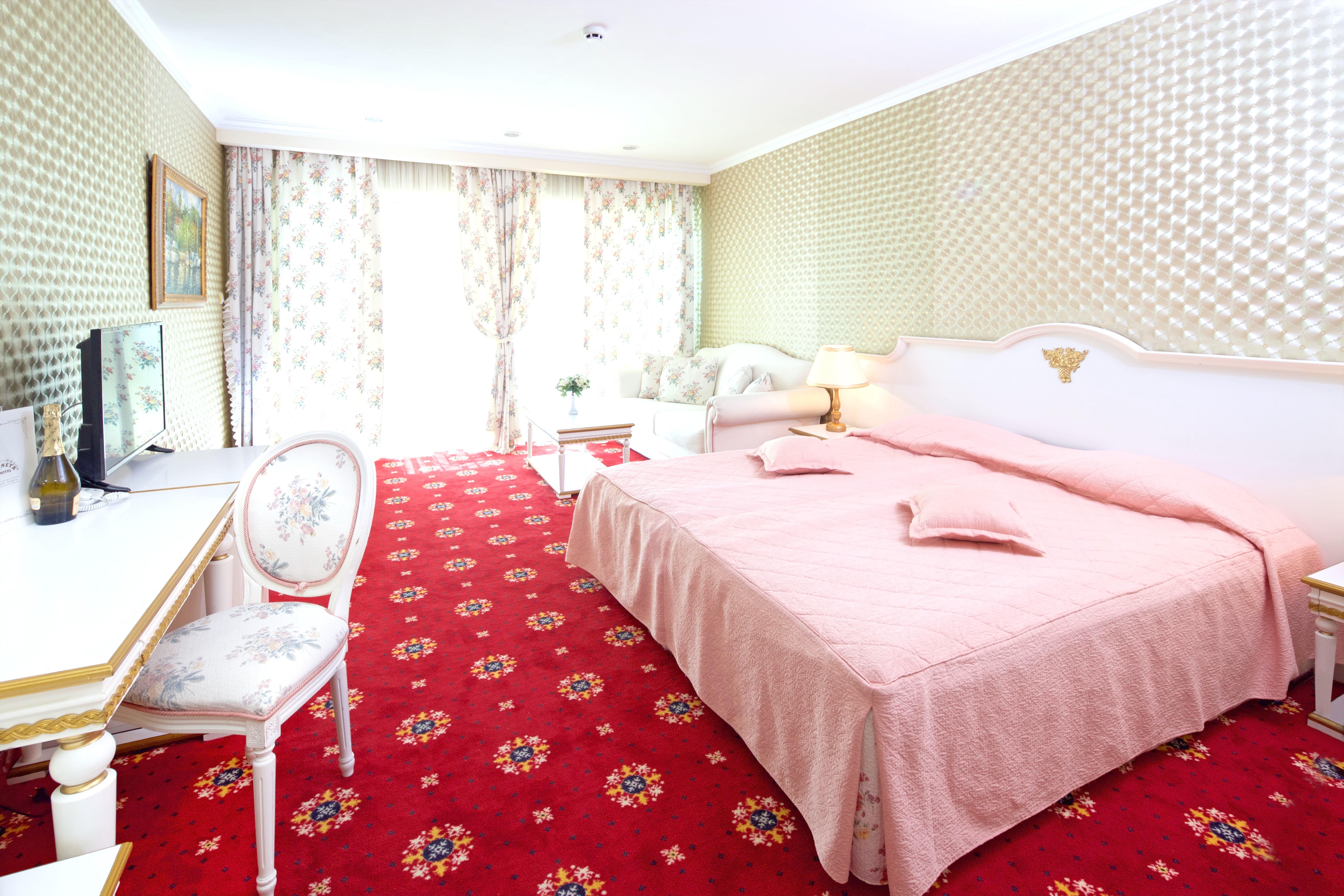 http://data.solvex.sk/Hotel/11/42241.jpeg