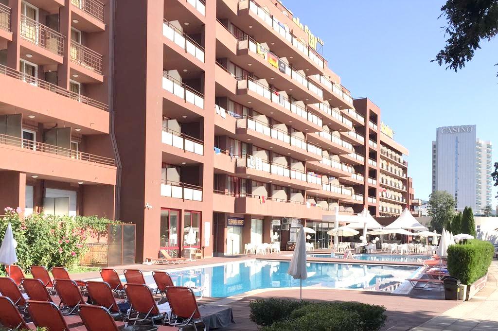 http://data.solvex.sk/Hotel/2610/47242.jpeg
