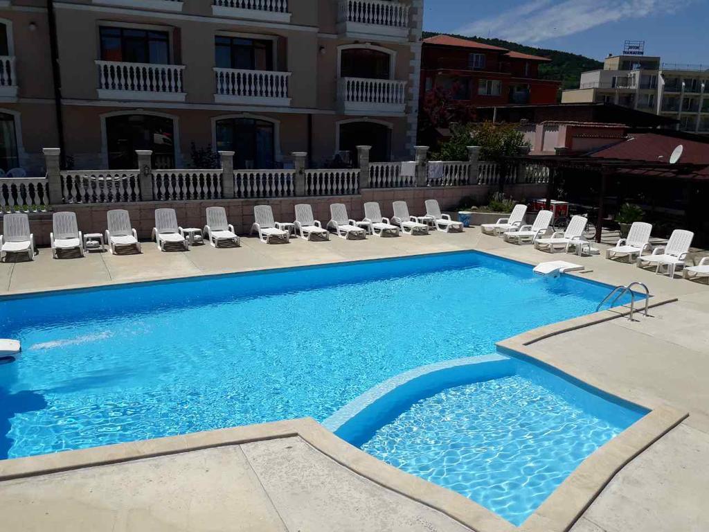 http://data.solvex.sk/Hotel/2625/52146.jpeg