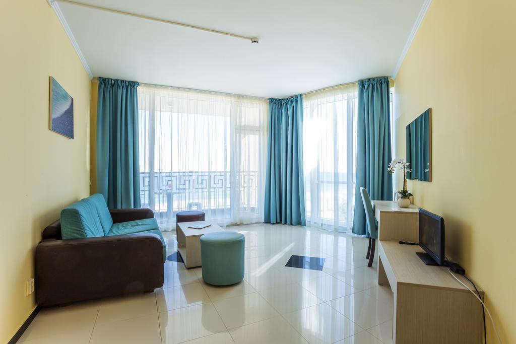 http://data.solvex.sk/Hotel/2636/53630.jpeg