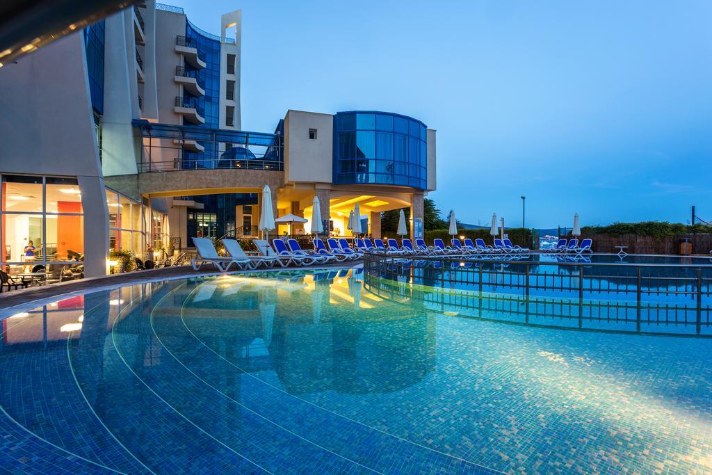 http://data.solvex.sk/Hotel/2636/53642.jpeg