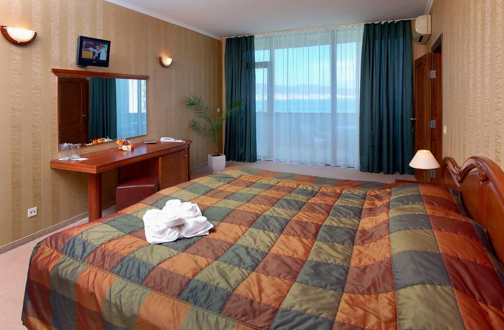 http://data.solvex.sk/Hotel/2642/51988.jpeg