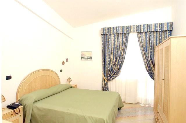 http://data.solvex.sk/Hotel/2702/48339.jpeg