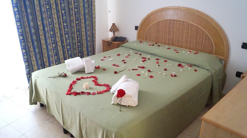 http://data.solvex.sk/Hotel/2702/48341.jpeg
