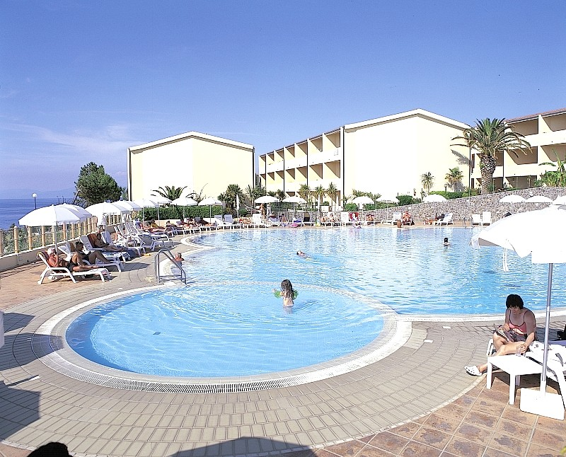 http://data.solvex.sk/Hotel/2702/48348.jpeg