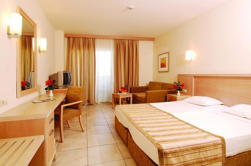 http://data.solvex.sk/Hotel/2765/53526.jpeg