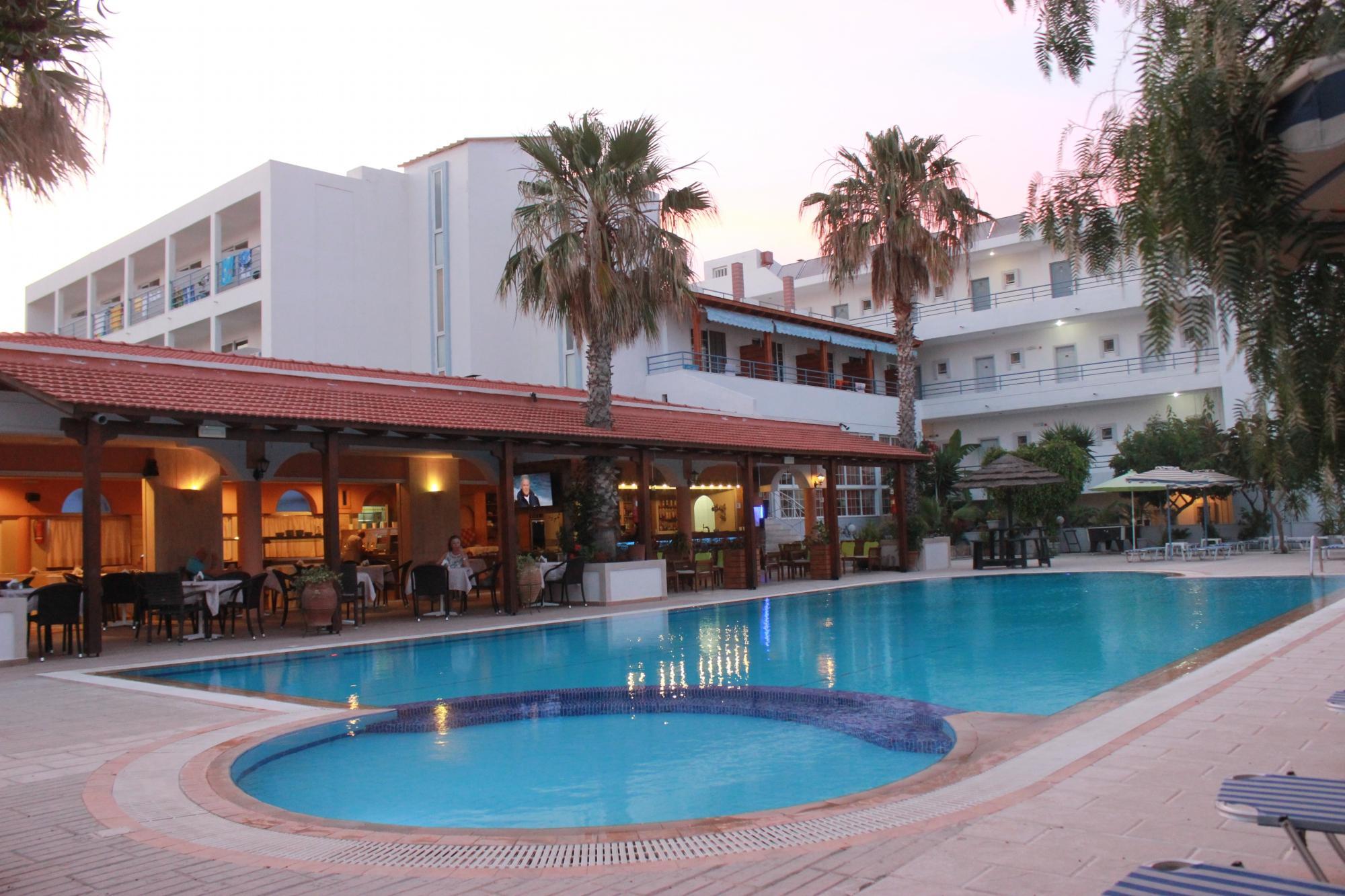 http://data.solvex.sk/Hotel/2782/53610.jpeg