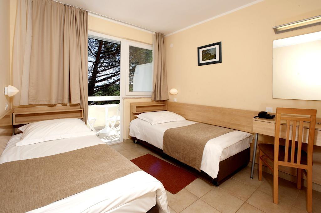Zelena Resort - Hotel Delfin Plava Laguna - 11 Popup navigation