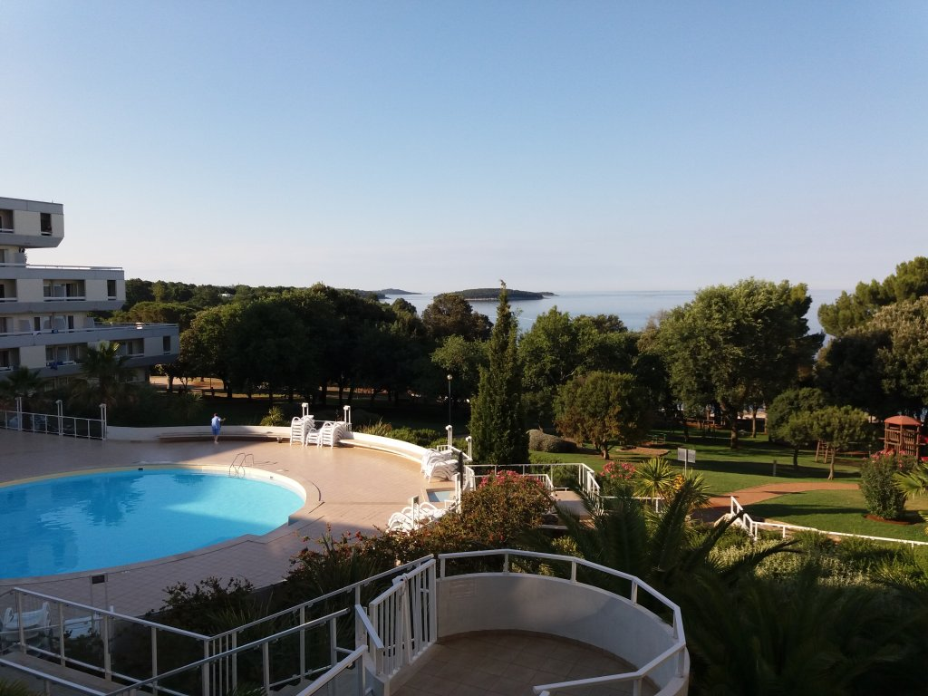 Zelena Resort - Hotel Delfin Plava Laguna - 20 Popup navigation