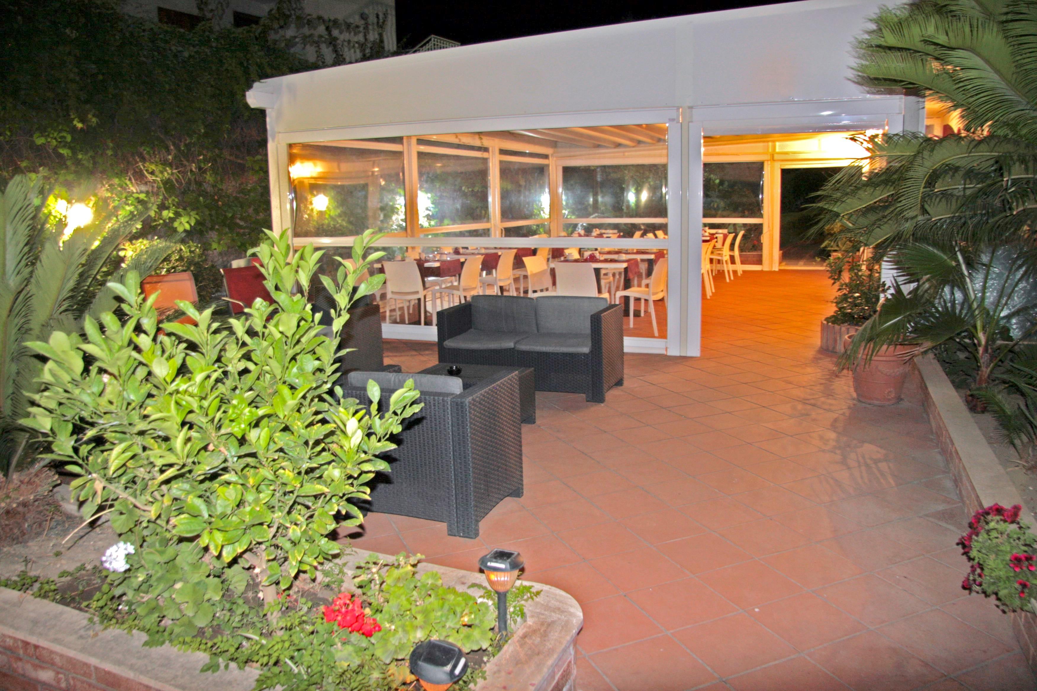 Hotel alexander ubytovanie giardini naxos sic lia taliansko solvex - Hotel alexander giardini naxos ...