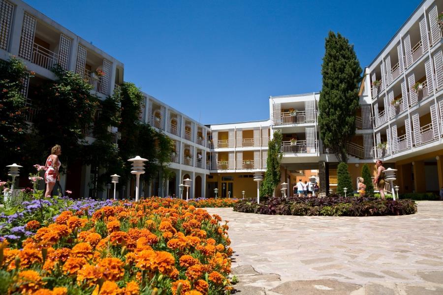 Nessebar Beach Hotel - 24 Popup navigation