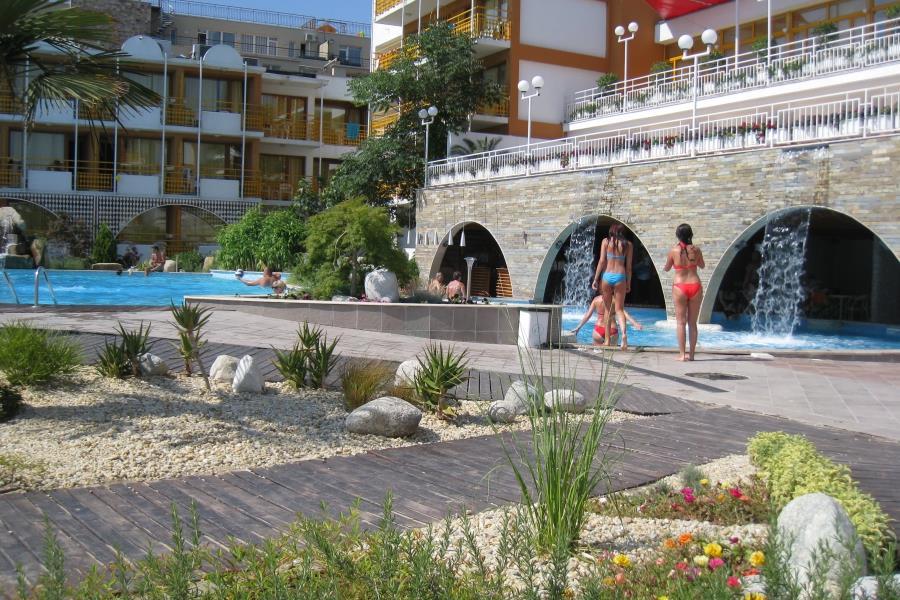 http://data.solvex.sk/Hotel/3432/51367.jpeg