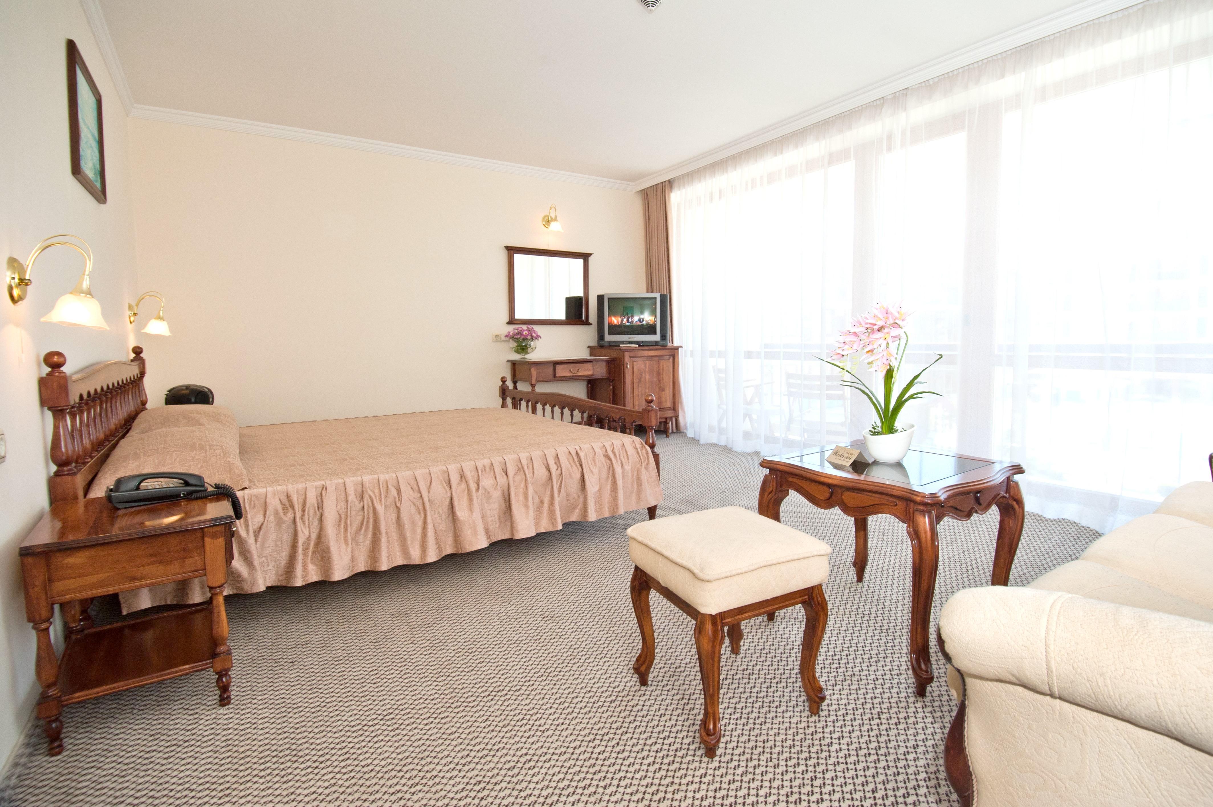 http://data.solvex.sk/Hotel/35208.jpeg