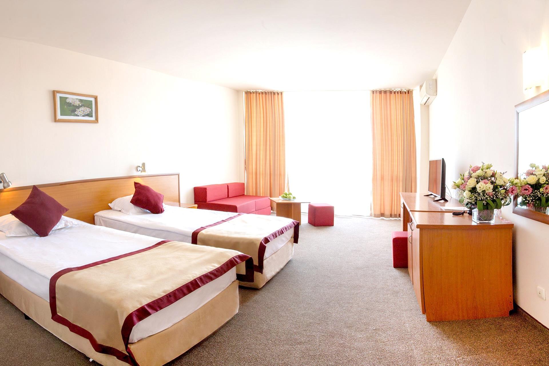 http://data.solvex.sk/Hotel/35321.jpeg
