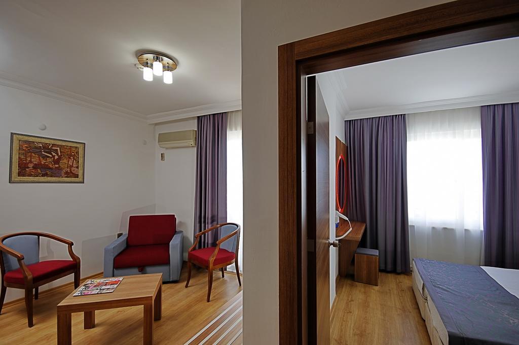 http://data.solvex.sk/Hotel/3565/52290.jpeg
