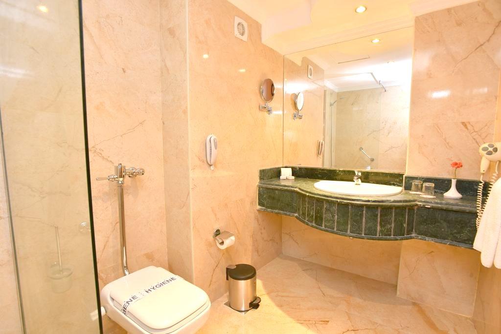 http://data.solvex.sk/Hotel/3578/47621.jpeg