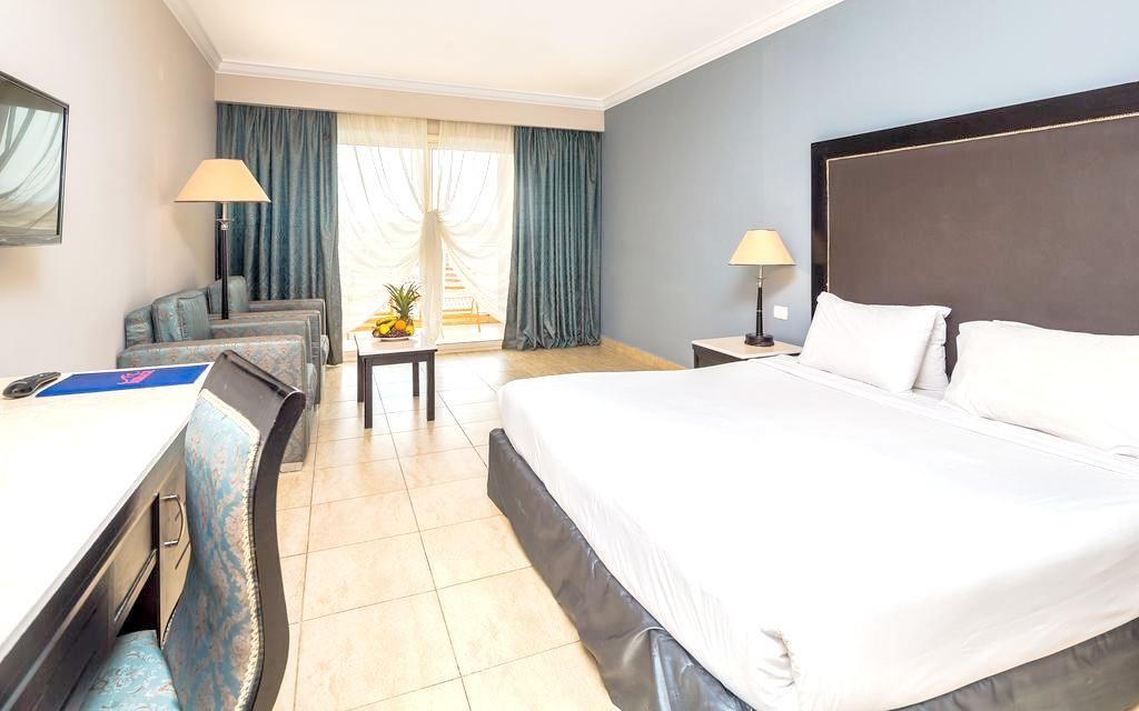 http://data.solvex.sk/Hotel/3579/47655.jpeg