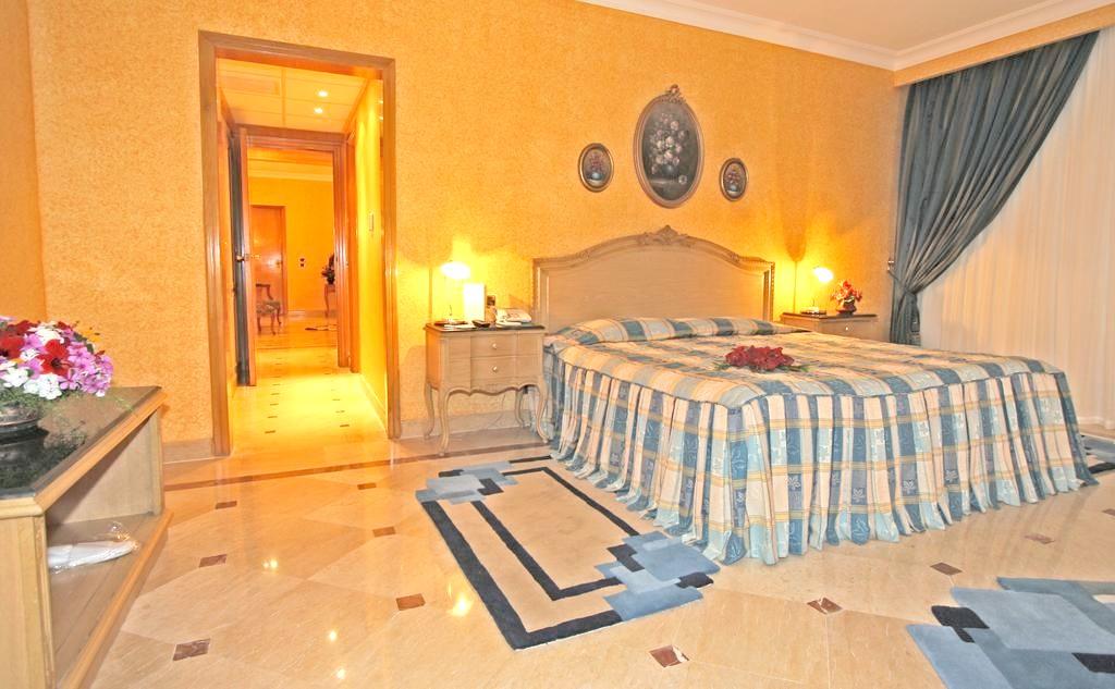 http://data.solvex.sk/Hotel/3581/47685.jpeg