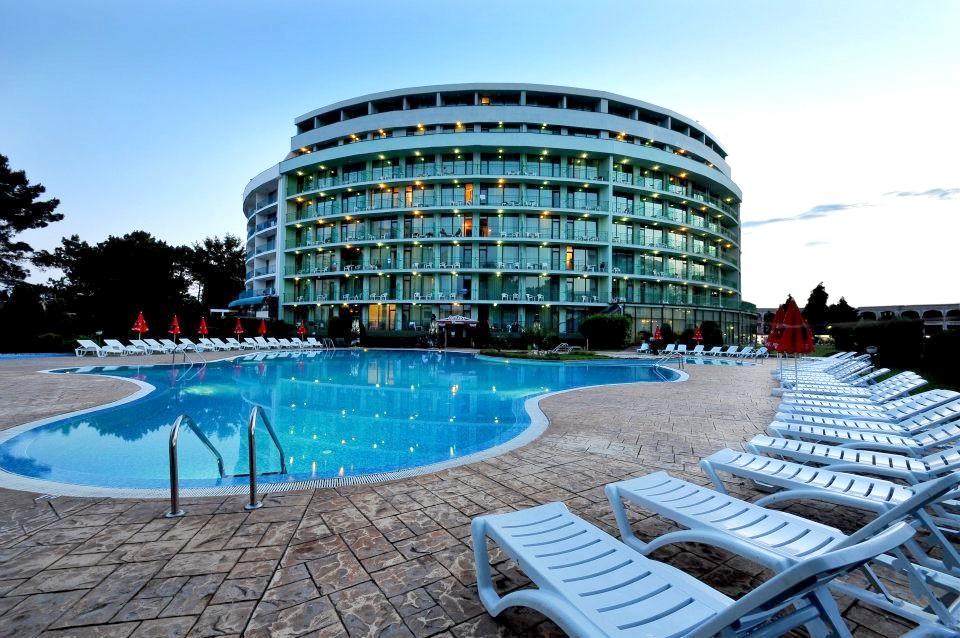 http://data.solvex.sk/Hotel/35821.jpeg