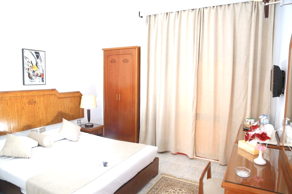 http://data.solvex.sk/Hotel/3587/47766.jpeg