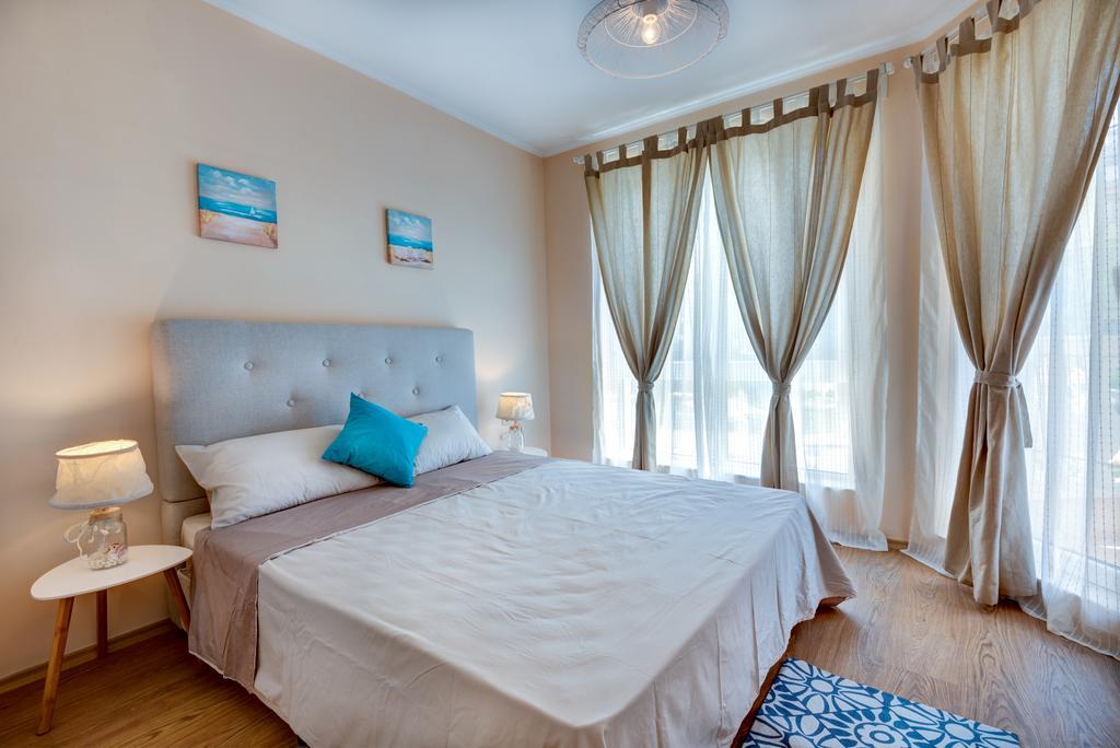Venera & Anastasia Palace Apartments - 3 Popup navigation
