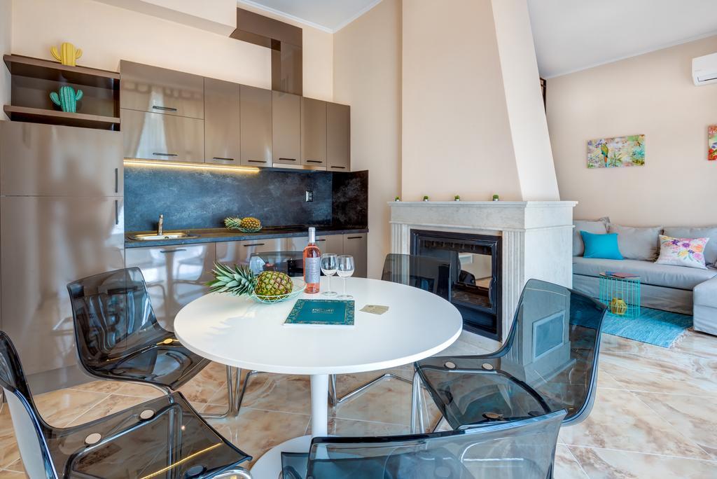 Venera & Anastasia Palace Apartments - 9 Popup navigation