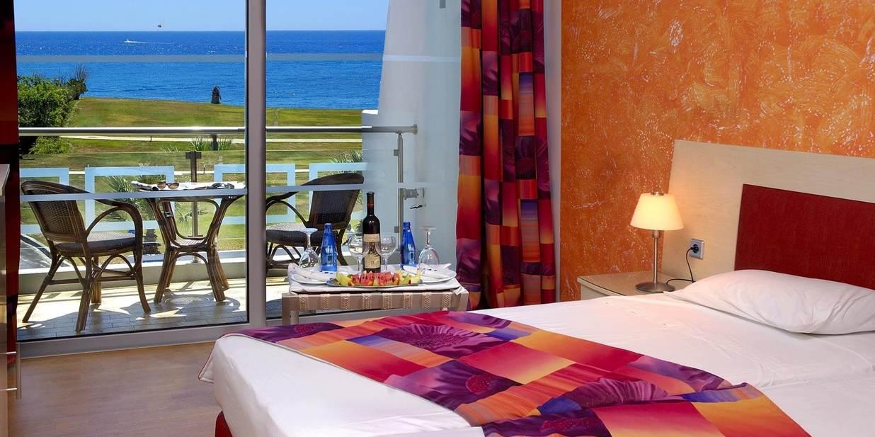 http://data.solvex.sk/Hotel/4085/60169.jpeg