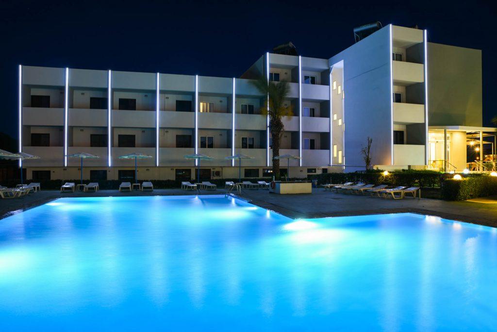 http://data.solvex.sk/Hotel/4086/60180.jpeg