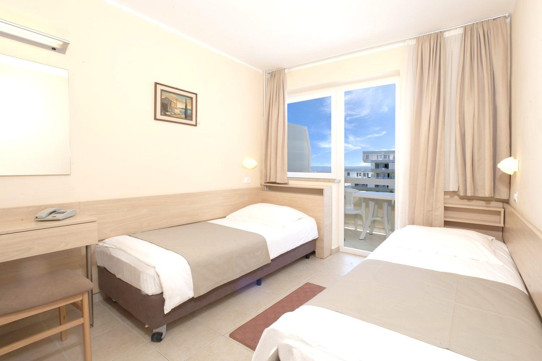 Zelena Resort - Hotel Delfin Plava Laguna - 3 Popup navigation