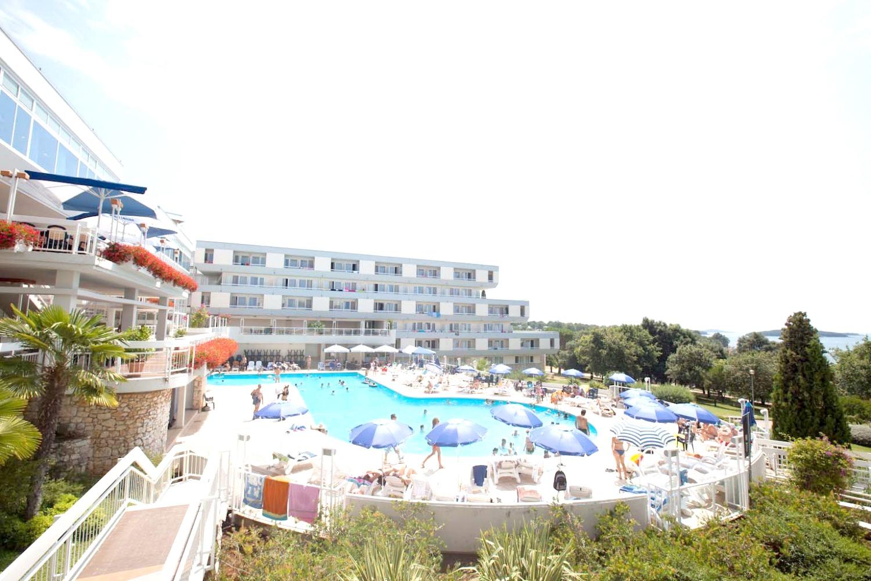 Zelena Resort - Hotel Delfin Plava Laguna - 2 Popup navigation