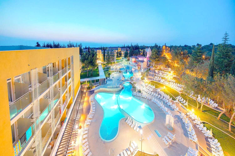 Sol Garden Istra for Plava Laguna - Hotel - 8 Popup navigation