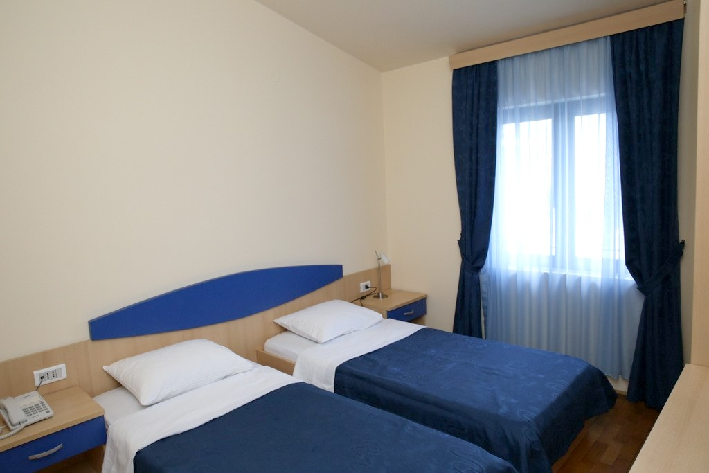 http://data.solvex.sk/Hotel/44185.jpeg