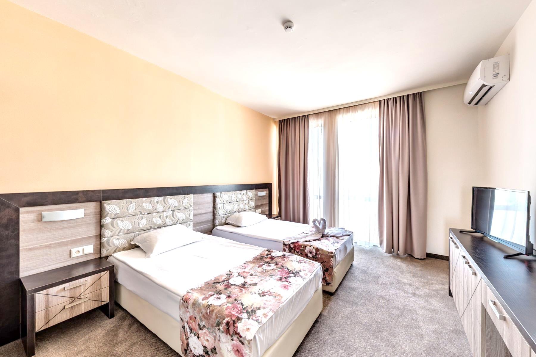 http://data.solvex.sk/Hotel/44380.jpeg