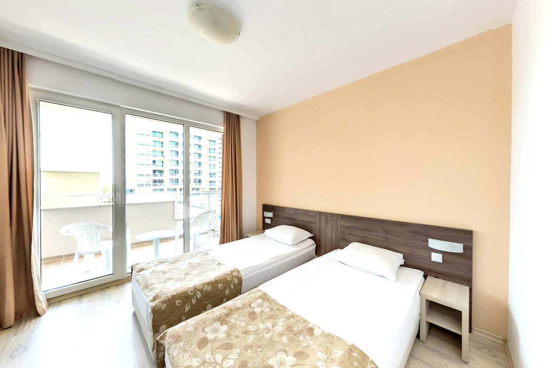 http://data.solvex.sk/Hotel/44384.jpeg