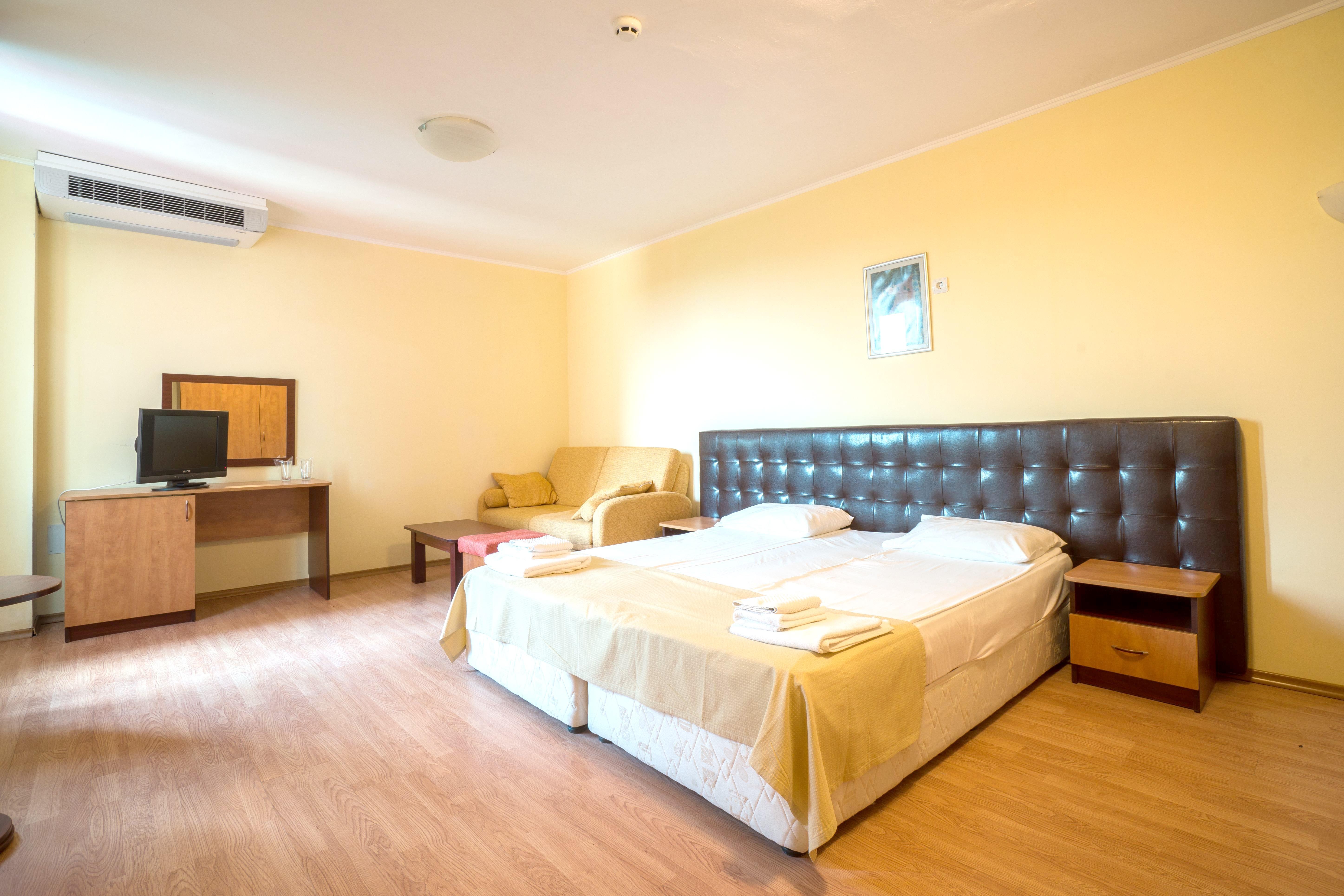 http://data.solvex.sk/Hotel/46359.jpeg